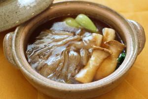 ふかひれと野菜の土鍋煮込み