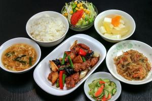 鶏肉のピリ辛炒めランチ